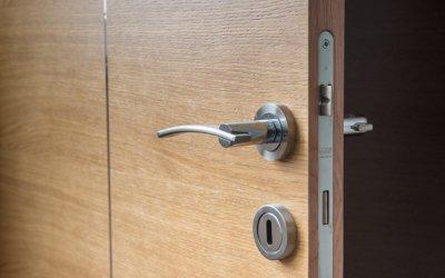 Protéger votre habitation avec une porte de qualitée.
